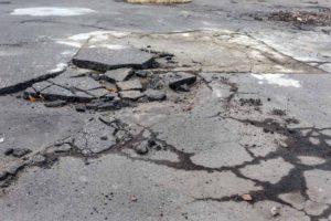 asphalt-driveway-cracks-1000